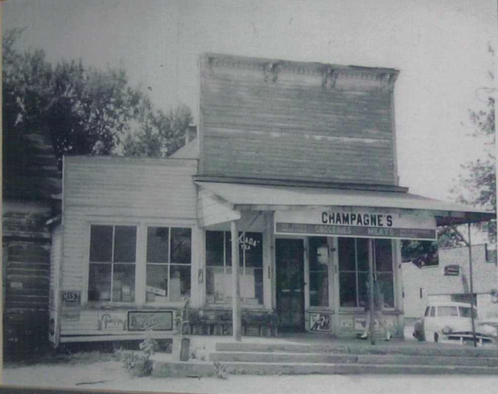 Champagnes General Store